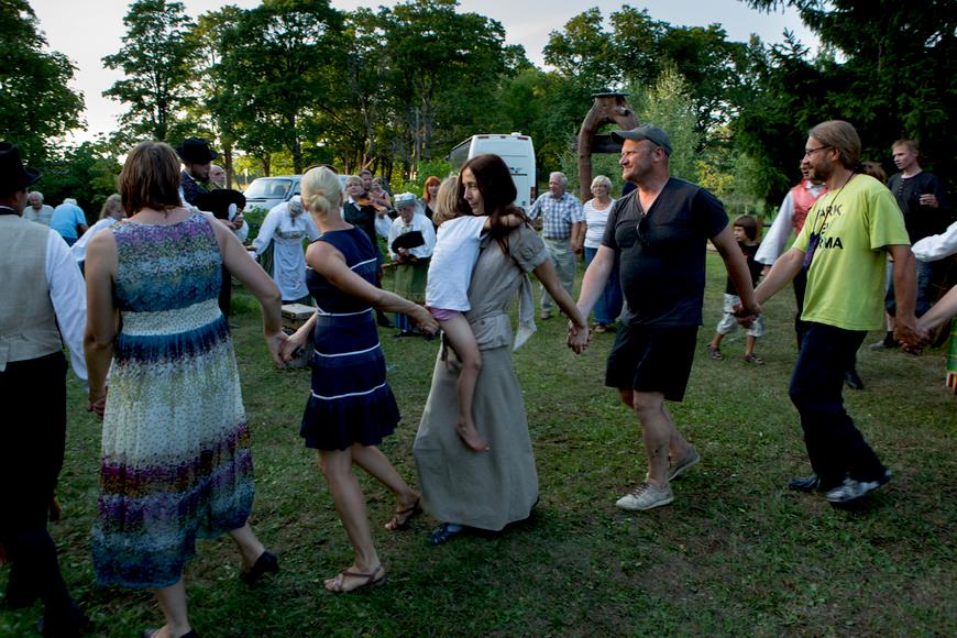 Ilumäe muuseumipäev 8.8.2013 tantsuhoos