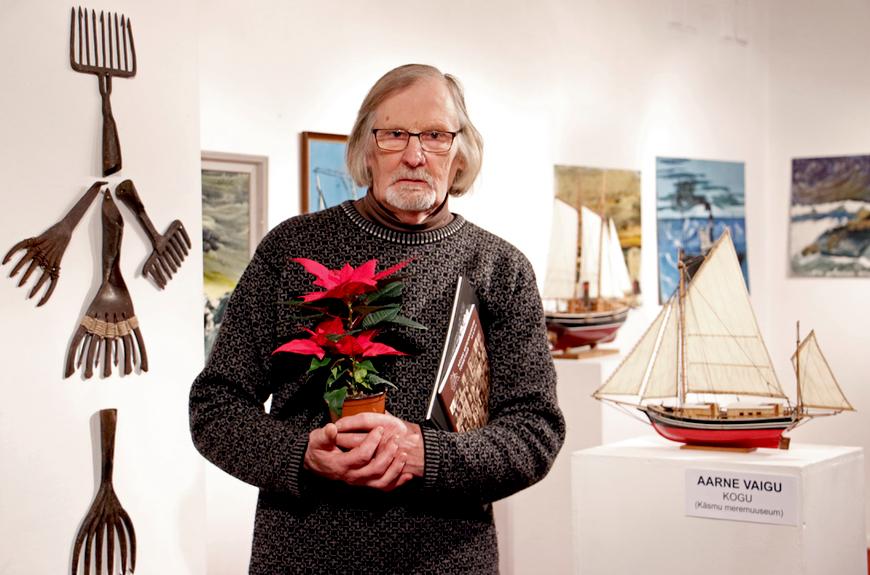 Aarne Vaik näituse avamispäeval Pärnus