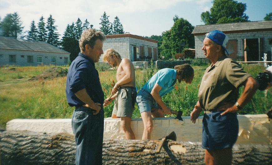 1998 Aarne Vaigu haabjategu esiplaanik Eerik Kaarend ja Ülo Vinter