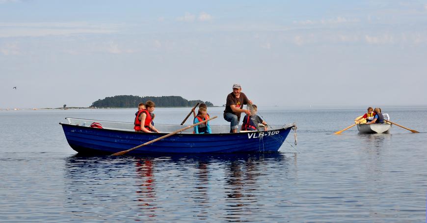 2012 kalurilaagri ahvenapüük Saartneemel. Juhendab kalur Virko Sirkel