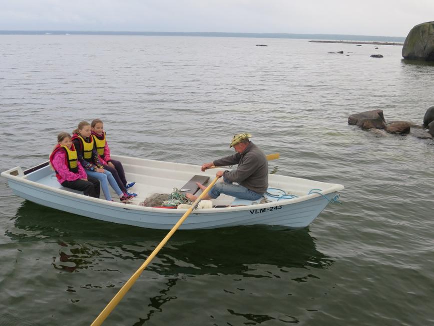 2015 Noor kalur, võrgud väljas ja kaldale