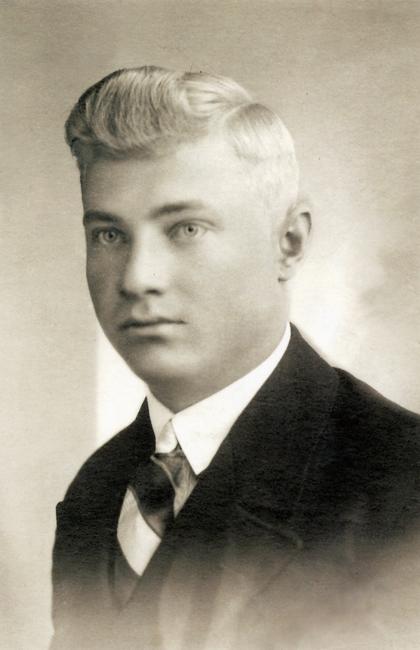 Riho Sinivee (Rihard Seeblum) 1907-1942 Allikas: Aarne Vaigu erakogu