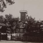 1887 ehitas Joosep Kristenbrun merekoolile maja.